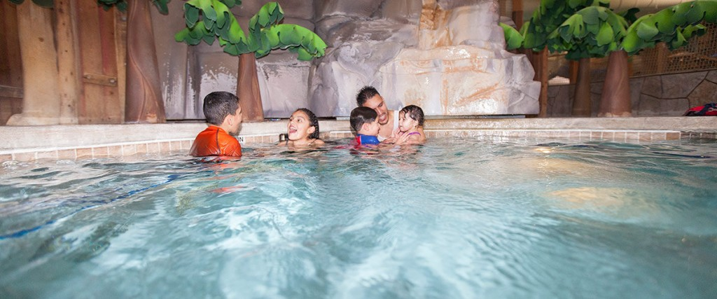 Don't miss the hot tubs at Great Wolf Lodge! Warm and relaxing fun for the whole family. Read four more tips for making the most of your Great Wolf Lodge stay!