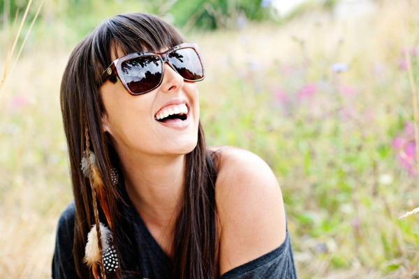 sunglasses-summer-model-happy-large